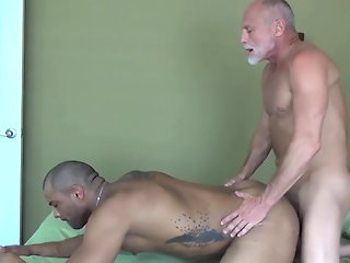 daddy bareback muscle