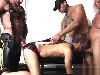 gay bareback group sex